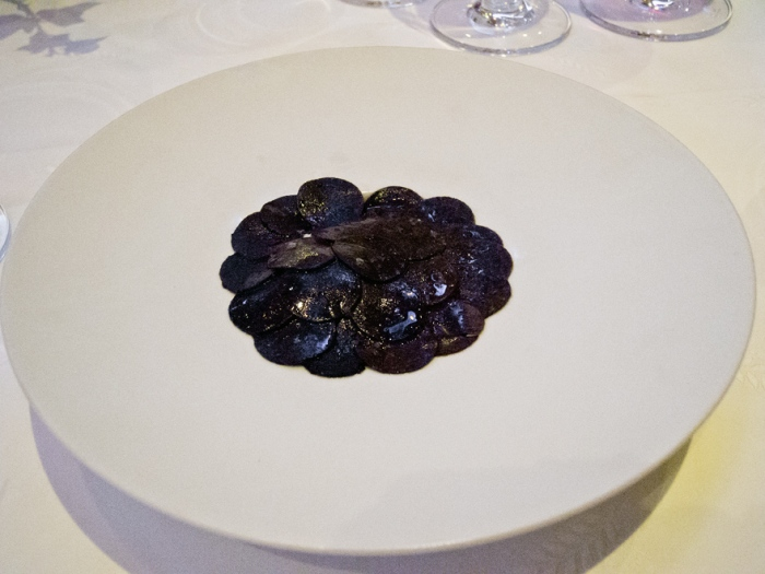 Mousse von Kartoffeln mit schwarzen Trüffeln